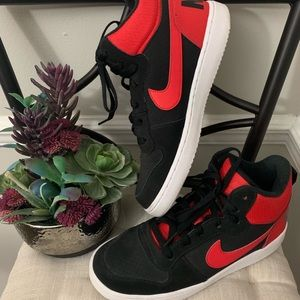 Nike Black and Red size 7y